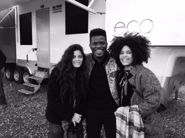 Thats Laolu in the middle, flanked by Ibeyi