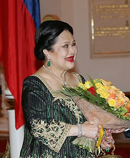 Queen_Sirikit_In_Russia_2007