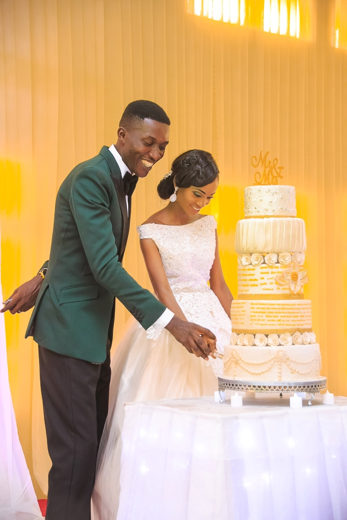 Nigerians are no longer joking with their wedding cakes (photos ...