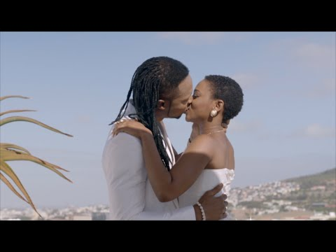 Flavour-Chidinma-Kissing-In-Oloufe-Video