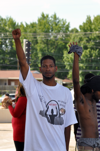 Ferguson,_Day_4,_Photo_21